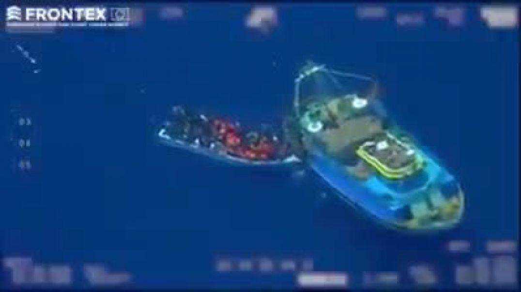Cómo se trasladan las pateras para invadir España con ilegales