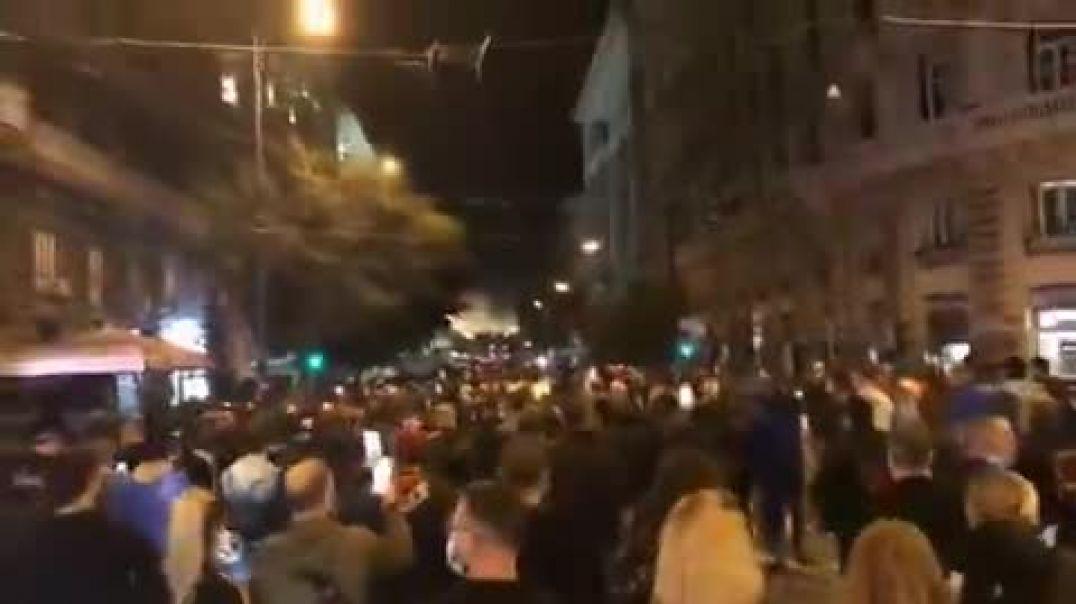 Nápoles pierde el miedo