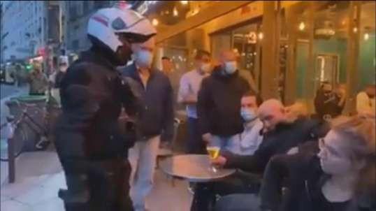 La policia desaloja terrazas