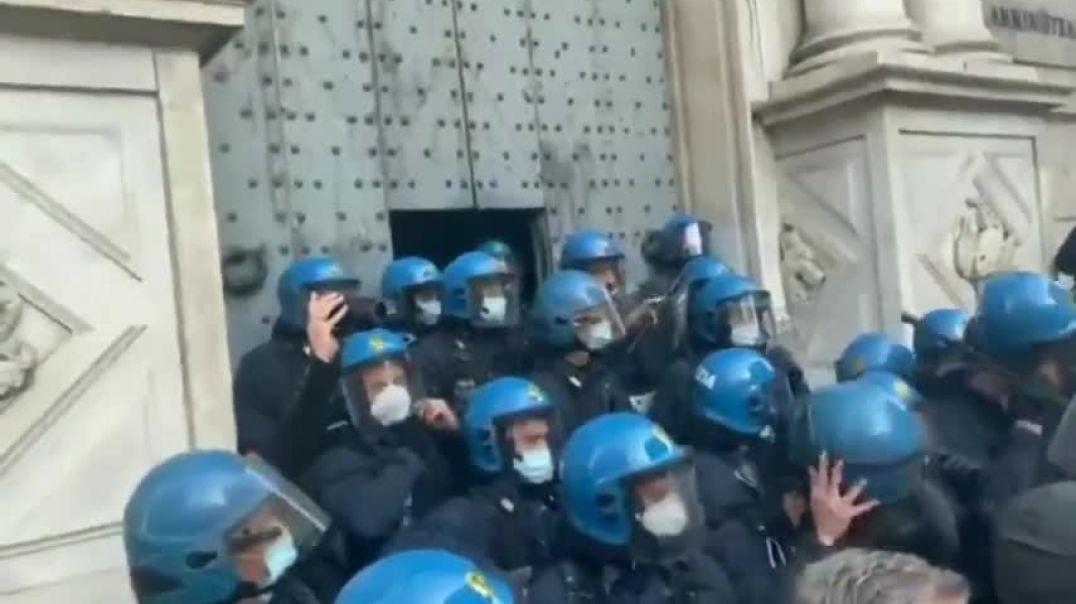 IMPORTANTE-  En Italia la policia TAMBIÉN es pueblo