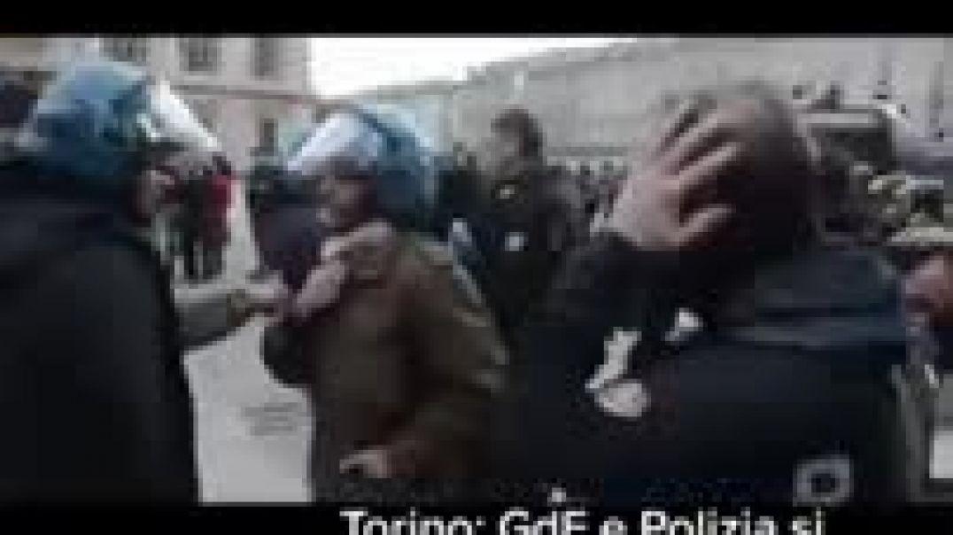 Policia Italia , que tiene que pasar aquí para que despierten algunos