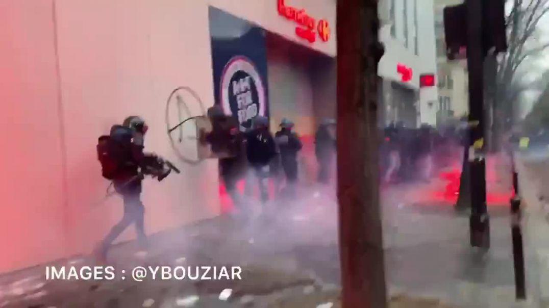 LA POLÍCIA SUFRE UN DURO ATAQUE EN PARÍS!!