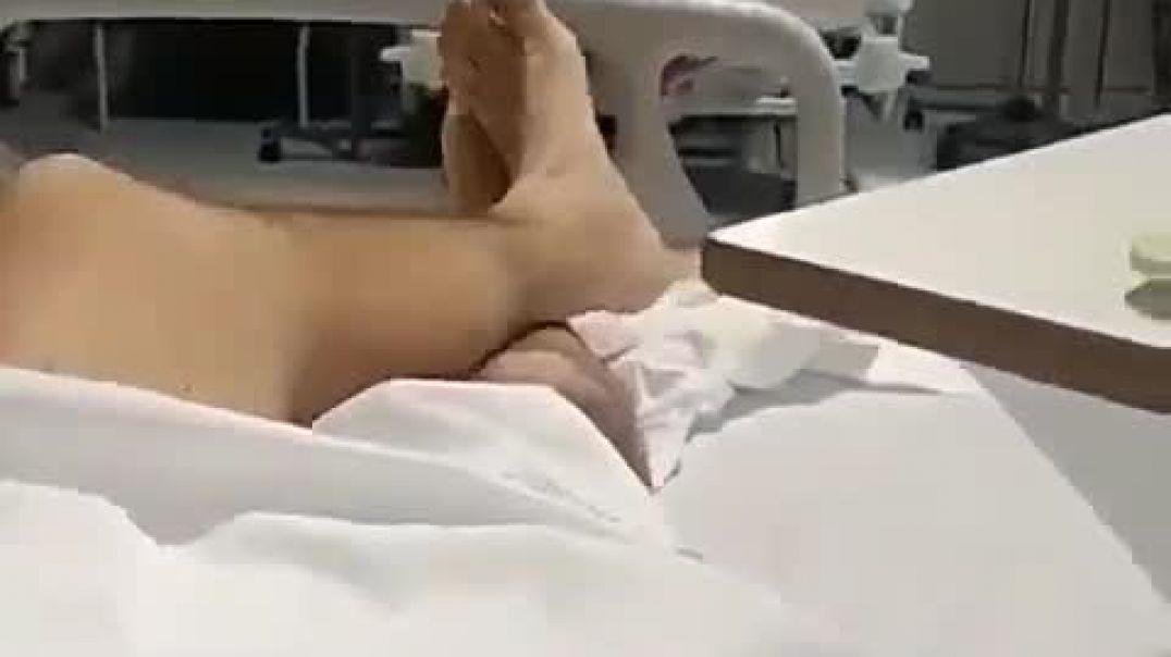 España, sobre hospitales vacíos y el famoso video del plato rico en moho