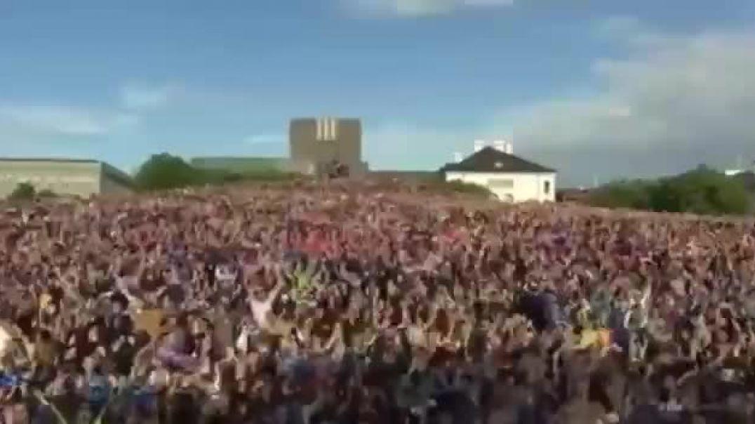 ISLANDIA LEVANTA TODAS LAS RESTRICCIONES