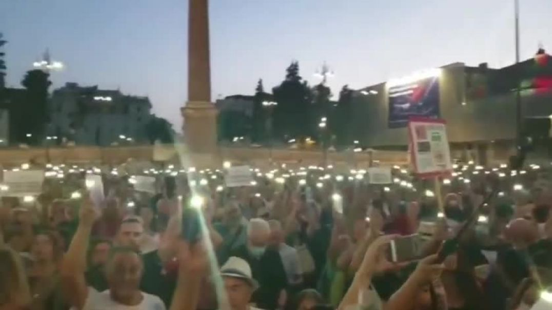 Masiva manifestación en Roma pidiendo LIBERTAD -julio 2021