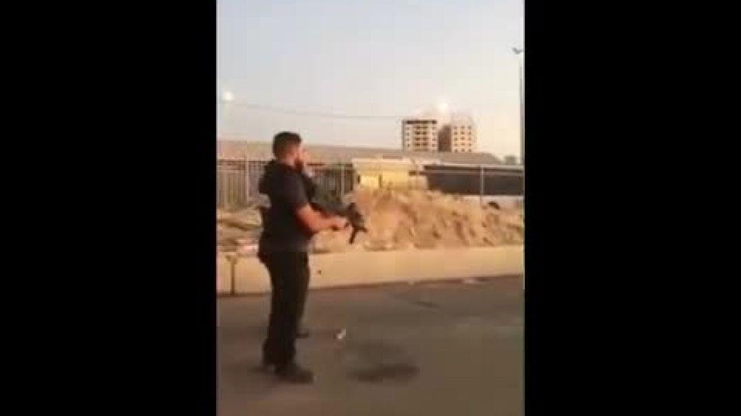 Soldados israelies asesinan a una mujer palestina a sangre fria