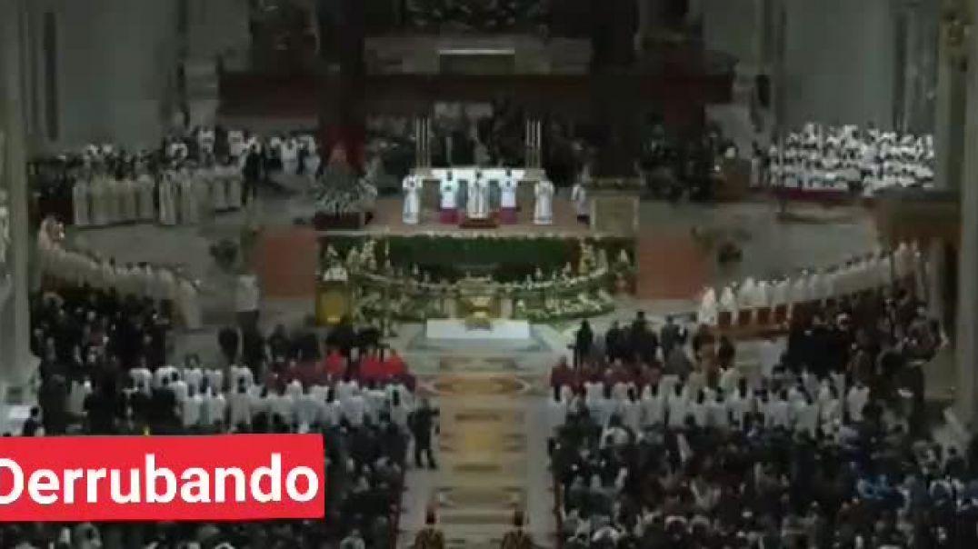 El Papa llama a Lucifer Dios y el Padre de Cristo