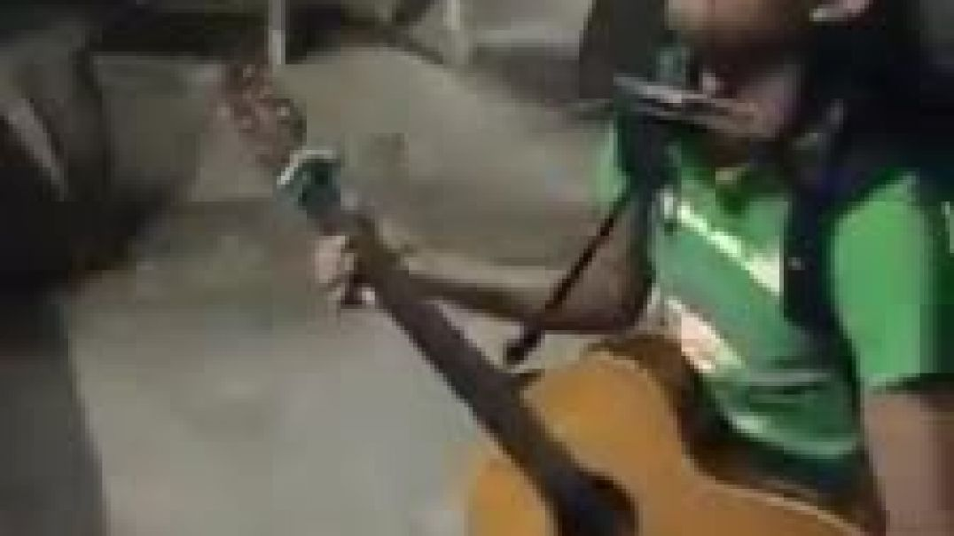 Musico con increible talento